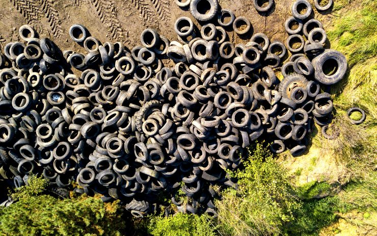 How Truck Tires Impact the Environment